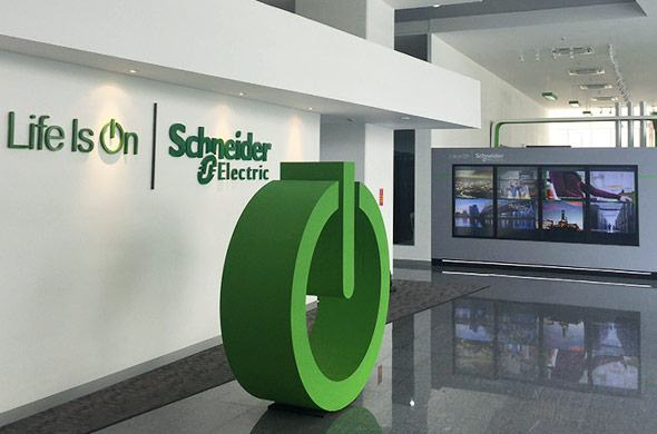 Touch videowall voor Schneider Electric in Bangkok